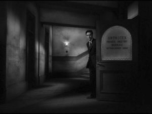 Ray Milland in Ministry of Fear